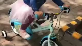 XiaoMan 超萌小吃貨~小蛮殿下的初踏大單車 🚴🏻♀️💖🍄😁#52個月 #bicycle   #baby #eatingmachine  #food #小蛮 #xiaoman