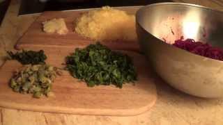 Салаты из отварной свеклы. Часть 3. Салат из тертой свеклы с сыром и чесноком