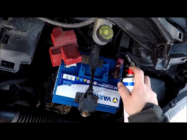 Toyota Yaris XP9 Batteriewechsel | Car battery replacement