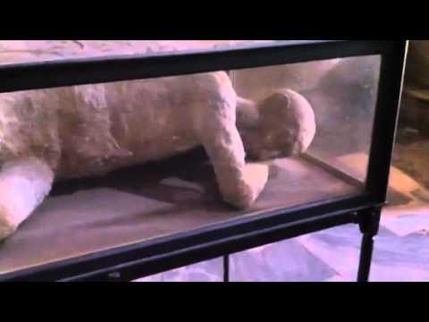 Old Pompeii 2 concrete bodies
