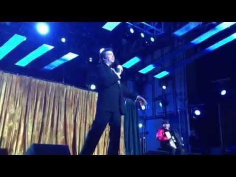 Steve Waddington singing