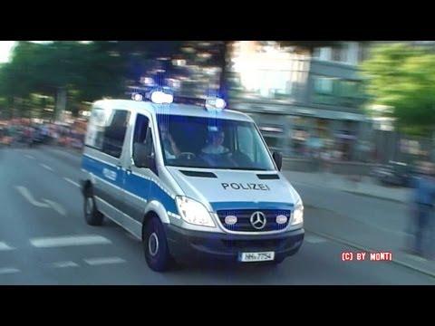 Füßgänger ignorien Hamburgs Polizei auf Einsatzfahrt // LEMKW + 2x FuStW Polizei Hamburg (HD)