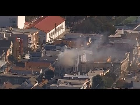 SF APARTMENT FIRE: Raw video of 2-alarm fire on Sanchez Street in San Francisco