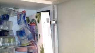 скрип двери шкафчика в туалете(, 2012-08-08T13:58:18.000Z)