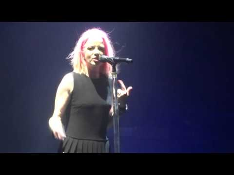 Garbage : Shirley forgets to put her knickers on ! Brixton academy 8-11-15