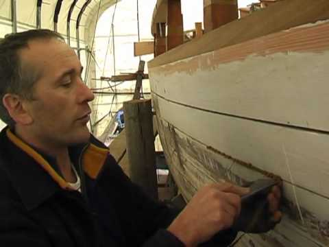 How to Caulk a Wooden Boat