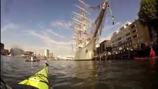 Sail Amsterdam 2015 kanosaluut (canoe salute)
