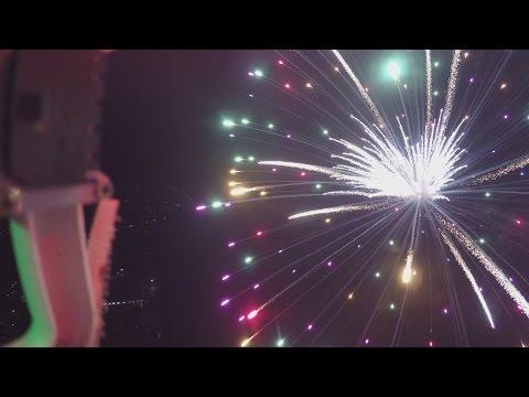 ドローンで花火を撮影 動画