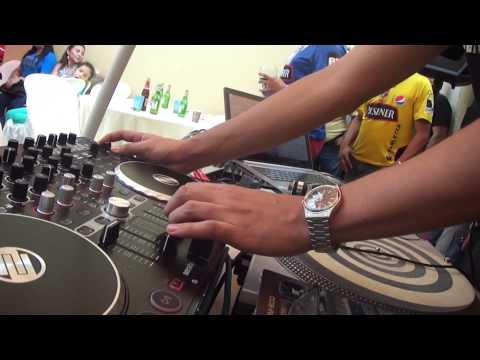 DISCOMENTARIOS ERNESTO ZUÑIGA MEDRANO DJ. DINO BABY