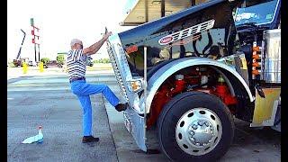 Дальнобой. США. 83 года водитель 83-year-old driver A legend. Custom peterbilt