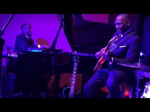 Eric Essix Move Trio - Gravitate - Live At The Velvet Note