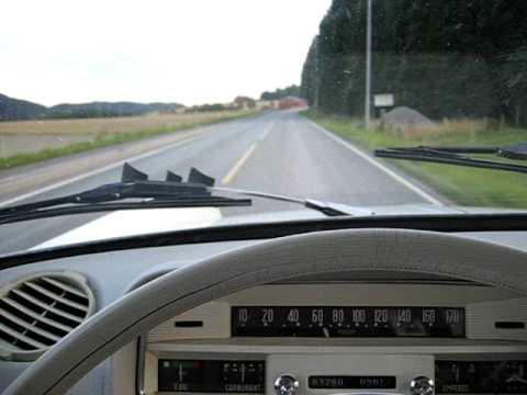 Peugeot 404 på gamle E-18 mellom Drammen og Holmestrand