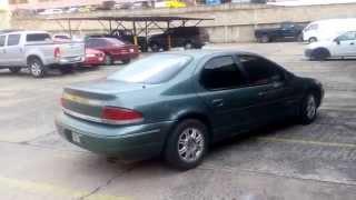 Chrysler Stratus 97 motor V6 cuatro puertas verde