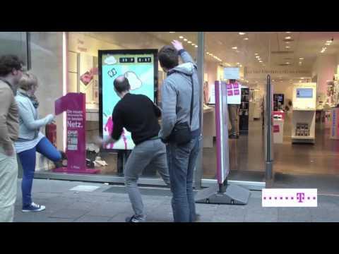 Interaktives Display - Digitales Schaufenster powered by T-Labs (Prototyp TelekomCloud)