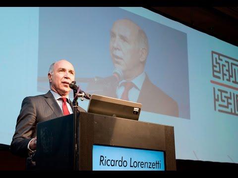 Lorenzetti dio una conferencia en el congreso anual del IAEF