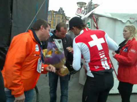 Fabian Cancellara leaving press area after TT in Copenhagen.mp4