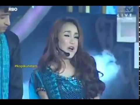 Bolly Star Vaganza Shaheer Sheikh & Ayu Ting Ting - Mohabbat