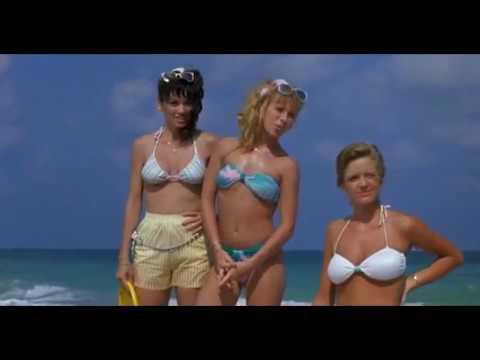 Pomsta šprtů 2: Šprti v ráji (1987) - Courtney Thorne-Smith, Robert Carradine