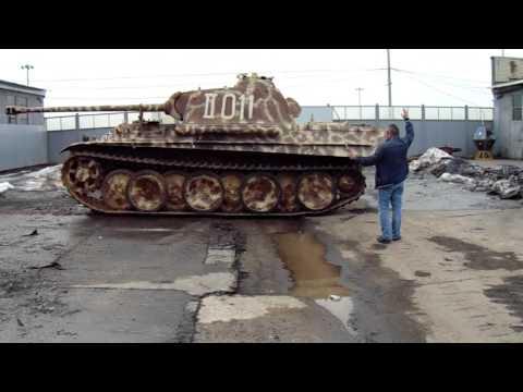 9 апреля 2016. Музей танков в Кубинке. Выезд танка Пантера из ангара