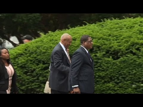 Bill Cosby arrives for trial on sexual assault