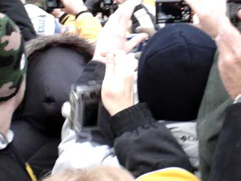 Ben Roethlisberger and James Farrior at the Super Bowl 43 parade