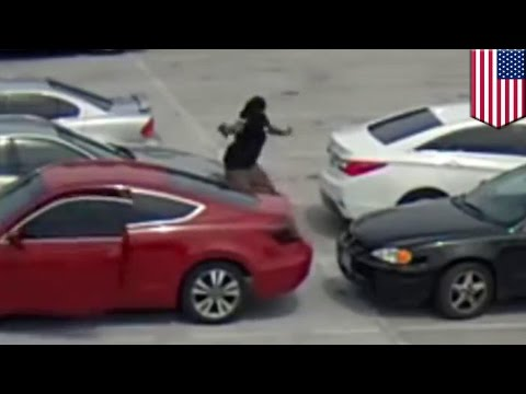 Caught on camera: Deadly shooting in parking lot of New Orleans restaurant - TomoNews