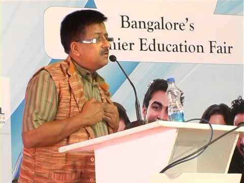 Dr R Balasubramaniam at the Deccan Herald-Jnana Degula Education fair at Bangalore