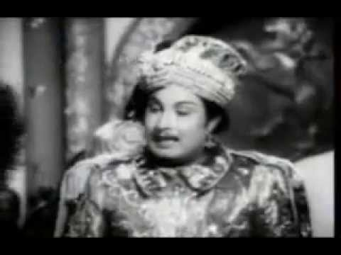 Dialogue scene in MGR movie