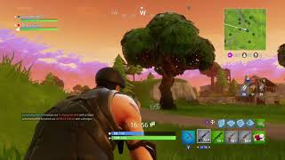 BEASTING A GUY WItH A REVOLVER. AND GETTING LOADS OF KILLS. Fortnite
