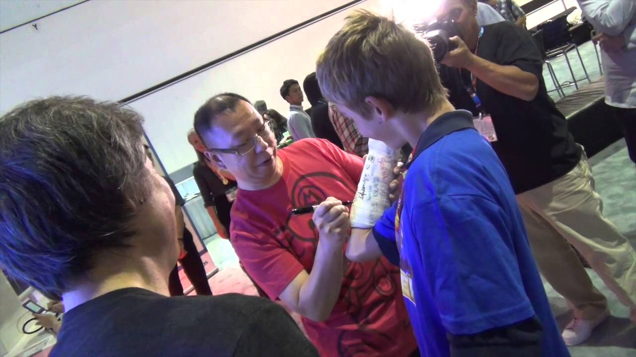 Shigeru Miyamoto gives children design advice during Mario Maker E3 preview
