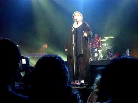Tired-Adele forgets lyrics- Metropolis 04.28.09