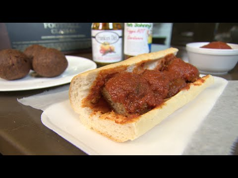 Chicago's Best Meatballs: Frankie's Deli