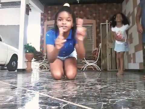 Haciendo gimnasia en casa,con nuestras dos invitadas del canal