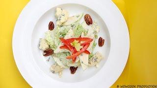 Салат с яблоком и голубым сыром