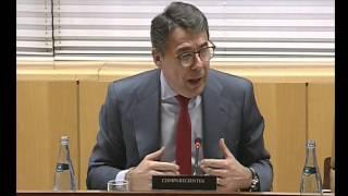 Ramón Espinar interroga a Ignacio González
