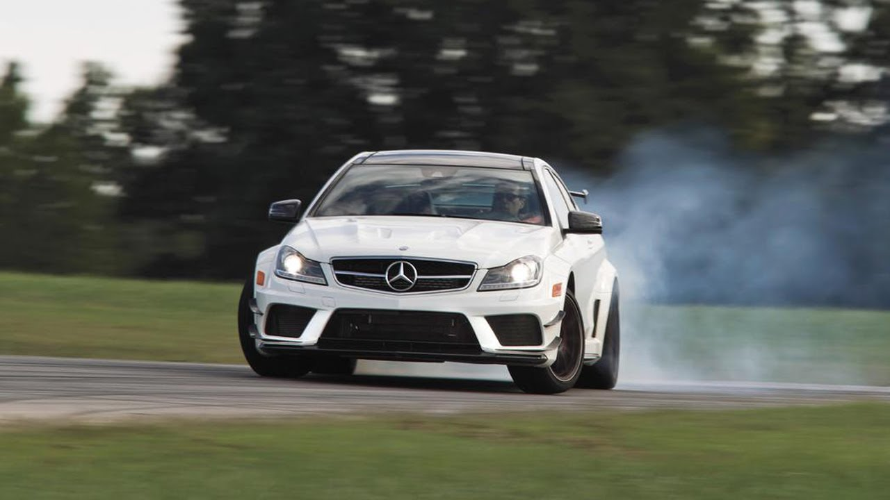 Benz Drift Car >> Drifting 2013 Mercedes Benz C63 Amg Coupe Black Series Chased By A