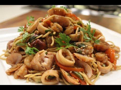 Seafood Chowmein | Seafood Recipes | Sanjeev Kapoor Khazana