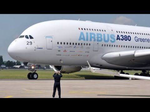Airbus pulls plug on costly A380 Mp3