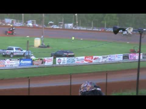 Kerry Kinser Heat Race 6-2-17 Bloomington Speedway
