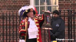 Town Crier announces birth of Royal baby girl