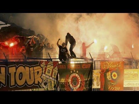 Střety hooligans a policie na zápase Baník Ostrava - Sparta Praha