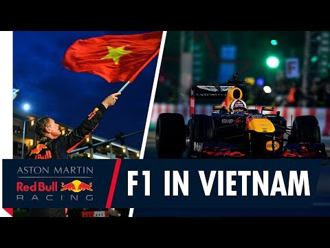 F1 hits the streets of Vietnam for the first time! Mp3