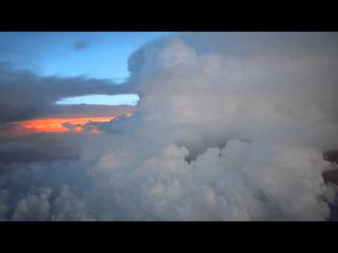Pilot's view - Lufthansa Cargo MD-11 - thunderstorm near Delhi from the cockpit HD