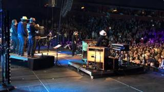 Nathaniel Ratliff & the Night Sweats - live