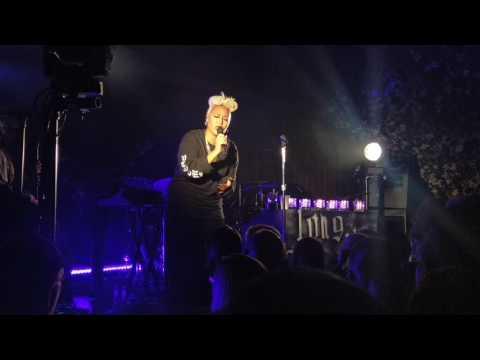Emeli Sandé - Every Single Little Piece [live 12.10.2016 @ People's Place, Amsterdam]
