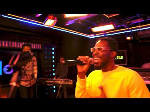 adekunle-gold---young-love-(live-session)-with-clout-nigeria