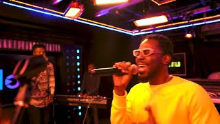 adekunle-gold---young-love-live-session-with-clout-nigeria