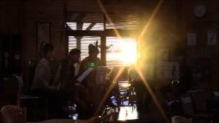 広島で活動しているグループです。 今回はサックスカルテットにカホンが...