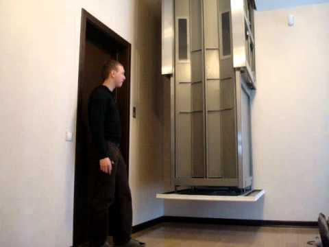 телескопический подъемник (мансардный лифт)