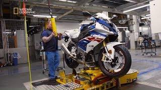 Tak wygląda ostatni etap produkcji motocykli! [Maszyny wagi ciężkiej]